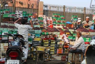 Chandni Chowk fruit market